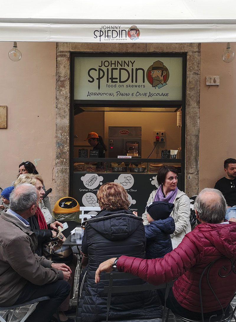 Olive-all-ascolana-ad-Ascoli-Piceno-Johnni-Spiedino-locale