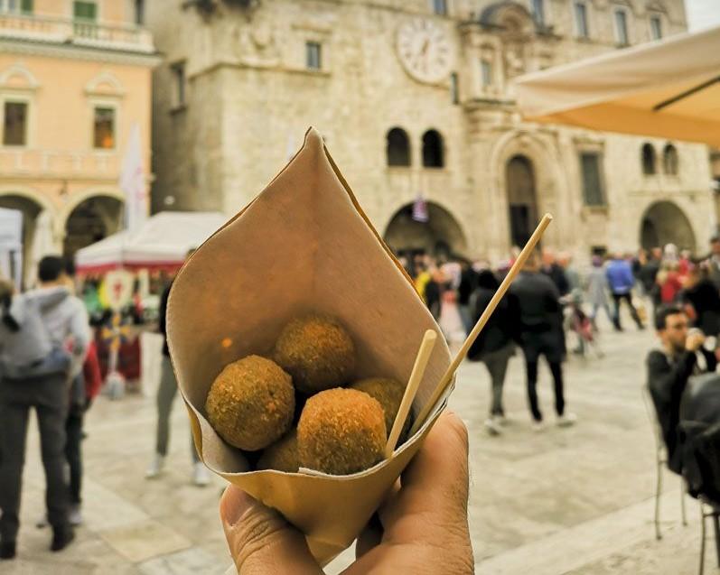 Olive-all-ascolana-ad-Ascoli-Piceno-olive-Dica-Duca