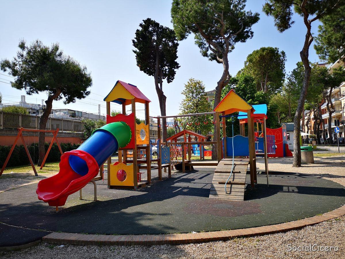 parco giochi Pineta Ricciotti Grottammare 5