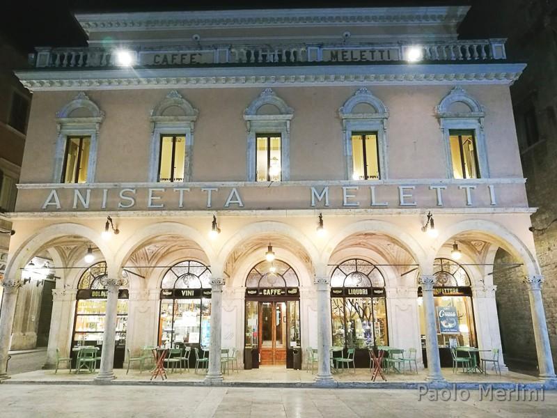 Caffè-storico-Meletti-di-Ascoli-Piceno-facciata