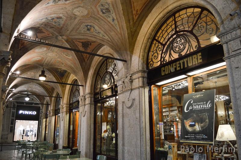 Caffè storico Meletti di Ascoli Piceno - portici