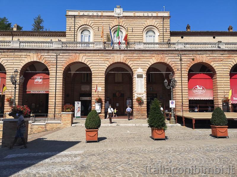 Amandola-Piazza-Risorgimento-