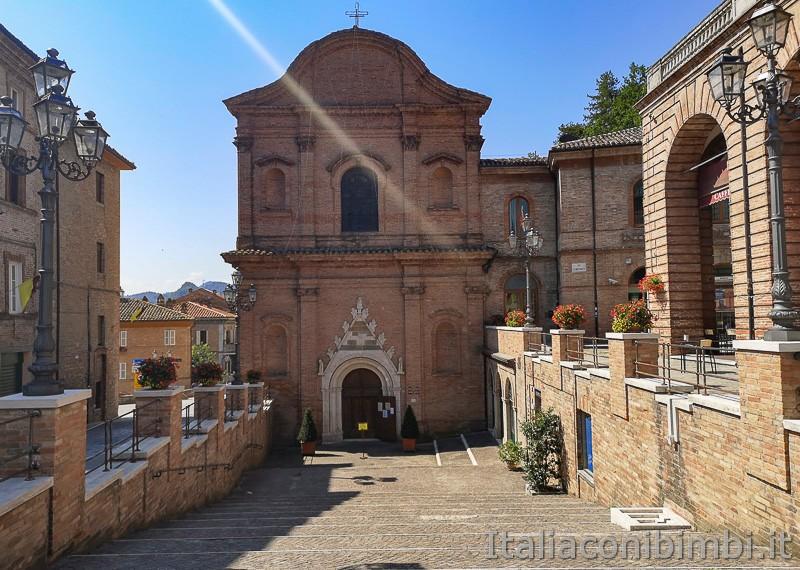 Amandola-Piazza-Risorgimento--